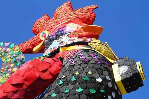 O Galo da Madrugada mostra suas cores para o Carnaval 2013. Foto: Annaclarice Almeida/DP/D.A Press -  Annaclarice Almeida/DP/D.A Press