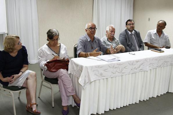 Reunião da Comissão da Verdade, que investiga crimes, torturas e violações dos Direitos Humanos ocorridos no período da Ditadura Militar no Brasil, que aconteceu no dia 19 de janeiro de 2013, no Recife Praia Hotel. Foto: Ricardo Fernandes/DP/D.A Press -