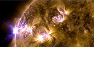Exploses solares revelam imagens impressionantes (Entre os dias 12 e 14 de maio o sol registrou quatro intensas erupes de radiao. Essas exploses representam a atividade mais intensa do tipo na estrela desde o incio deste ano. As imagens foram feitas pelo Observatrio de Dinmicas Solares da Nasa (SDO).)