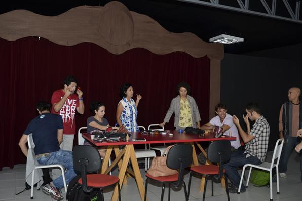 Doutores da Alegria  tem nove integrantes e atua em quatro hospitais da capital pernambucana; o grupo também faz montagens teatrais. Foto: Cristiane Silva/Esp. DP/D.A Press -