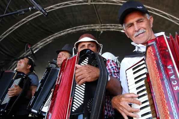 À espera do pernambucano, sanfoneiros de todo o estado se apresentam, cantando clássicos do mestre. Foto: Ricardo Fernandes/DP/D.A Press -