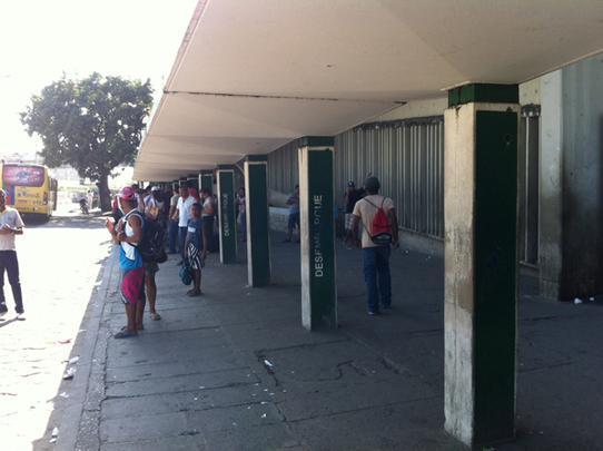 Os usuários do metrô amanheceram sem o meio de transporte nesta sexta-feira. A greve de 24 horas, anunciada pela categoria, foi confirmada pela população, com as estações de portas fechadas desde o início da manhã e até o final do dia. Foto: Mayra Cavalcanti/Esp.DP/D.A Press - Mayra Cavalcanti/Esp.DP/D.A Press