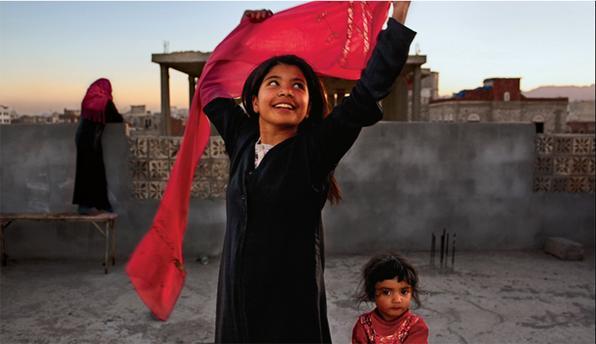 Uma das participantes é Stephanie Sinclair, cujo projeto de oito anos, 'Jovem Demais para Casar', investigou o fenômeno do casamento de crianças em Índia, Iêmen, Afeganistão, Nepal e Etiópia. Acima, Nujood Ali, que conseguiu se divorciar no Iêmen, aos dez anos.  -