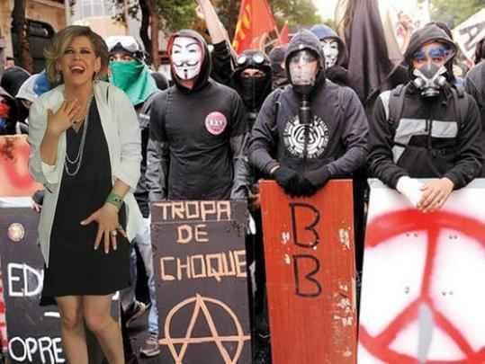 Bárbara Paz em Black Blocs vira meme -