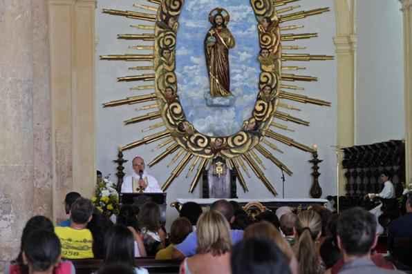 O culto aconteceu na Igreja da Sé, em Olinda, e foi celebrado pelo arcebispo metropolitano, Dom Fernando Saburido. Foto: Roberto Ramos/DP/D.A Press -