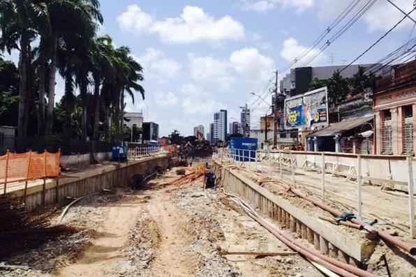 Obras de construção do túnel interdita cruzamento Caxangá com Real da Torre.  Área estará bloqueada a partir desta quinta-feira para a realização de obras no Túnel da Abolição na Madalena. Foto: Teresa Maia/DP/D.A Press -