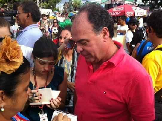 Vários políticos circularam pelo café da manhã do Galo da Madrugada, neste sábado (1º), no Forte das Cinco Pontas. Fernando Bezerra Coelho (PSB) -