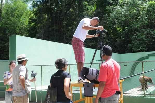 Fernando Spencer nasceu no Recife, também foi jornalista e trabalhou por 40 anos no Diario de Pernambuco. Autor do mais de trinta filmes e documentários, sua ligação com o cinema começou na década de 1960. Considerado um dos pioneiros do cinema em Pernambuco, tendo se destacado com o uso Super 8, entre suas produções, estão Bajado - um artista de Olinda (1975), Estrelas de celulóide (1987) e O último bolero no Recife (1987). Foto: Teresa Maia/DP/D.A Press  -