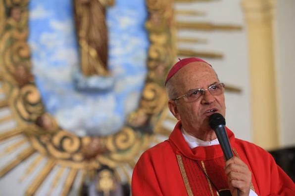 A celebração reuniu centenas de fiéis. Arcebispo Dom Fernando Saburido fez referência ao Sermão das Montanhas. Foto: Teresa Maia/DP/D.A Press -