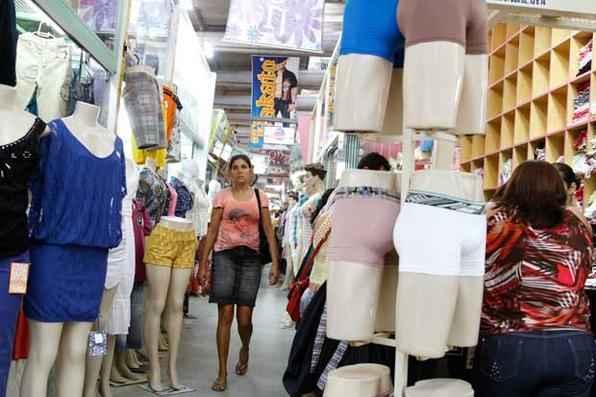 O Pernambuco.com visitou as feiras da sulanca de Toritama, Santa Cruz do Capibaribe e Caruaru e traz as melhores dicas para uma compra eficiente. Foto: Blenda Souto Maior/DP/D.A Press -