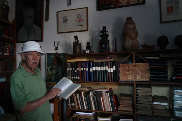 O pesquisador Liêdo Maranhão, de 88 anos, morreu às 5h30 da manhã, após sofrer uma parada cardíaca. Ele estava internado no Hospital Santa Terezinha havia 3 meses, em decorrência de sequelas provocadas por um AVC. Foto: Alcione Ferreira/DP/D.A Press/Arquivo -