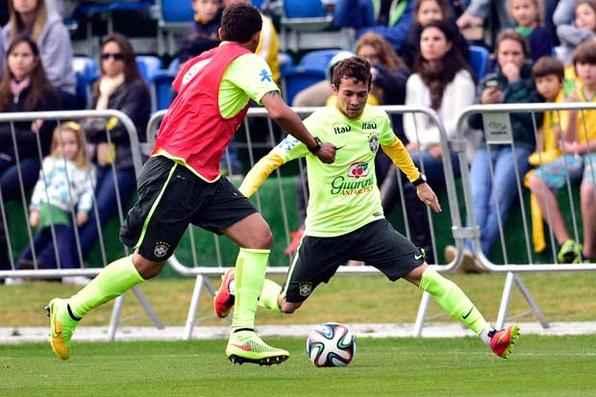 Seleção Brasileira treina para partida contra Camarões. Foto: Jefferson Bernardes/VIPCOMM  -