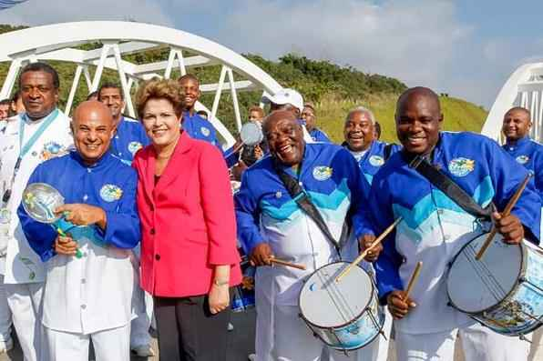 Presidenta Dilma Rousseff durante abertura ao tráfego do Arco Metropolitano do Rio de Janeiro, assinatura de contrato de financiamento para abastecimento de água na Baixada Fluminense e anúncio de novos investimentos. Foto: Roberto Stuckert Filho/PR -
