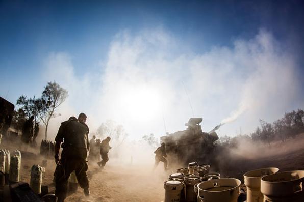 Forças de artilharia IDF fogo na Faixa de Gaza como parte da Operação Borda de proteção. Foto: The Israel Defense Forces -