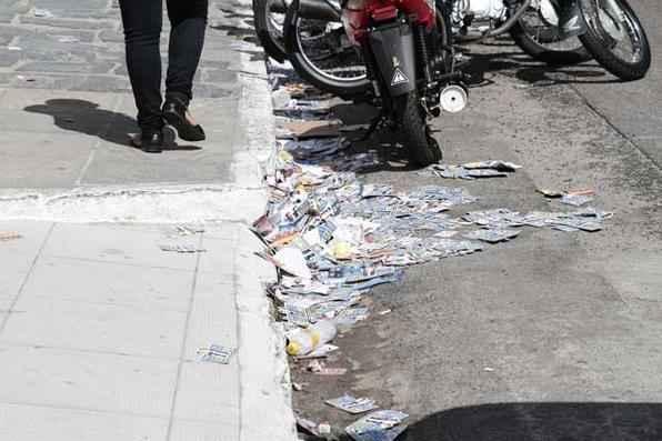 A Emlurb está realizando um esquema especial de limpeza nasa ruas do Recife neste domingo de eleições. Foto: Alcione Ferreira/DP/D.A Press -