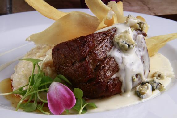 Restaurant Week come�a no dia 13 (Os mais de 30 restaurantes v�o oferecer menus completos - com entrada, prato principal e sobremesa. O almo�o custar� R$ 37,90 e o jantar, R$ 49,90)