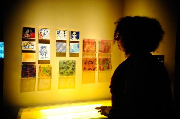 Segunda edição da exposição Virei Viral obras de artistas brasileiros e estrangeiros que questionam o impacto da cibercultura, em especial as redes sociais, no comportamento dos indivíduos. Foto: Tomaz Silva/Agência Brasil -