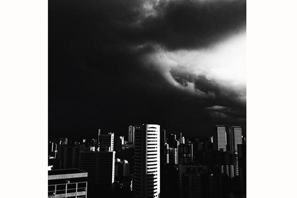 ''Em tudo que eu fotografo, eu procuro poesia'', diz ela, que entrou para a lista de usuários indicados pelo Instagram. Foto: Carol de Andrade/Divulgação -