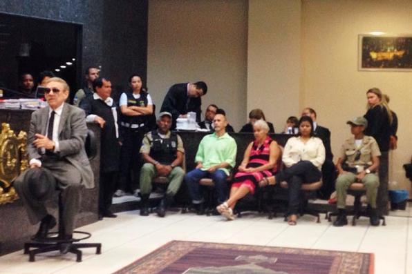 Começou por volta das 9h40 desta quinta-feira, no Fórum de Olinda, o julgamento do trio que ficou conhecido como os ''Canibais de Garanhuns''. Jorge Beltrão, Isabel Pires e Bruna Silva estão na sala do juri. Eles são acusados de assassinar, esquartejar, comer a carne de mulheres, serão julgados no Fórum de Olinda. Foto: Annaclarice Almeida/DP/D.A Press -