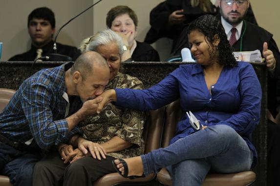 Segundo dia do julgamento dos Canibais (Vejas as fotos da manh� de hoje.)