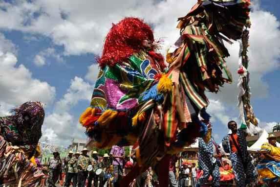 Maracatu agora � Patrim�nio Cultural do Brasil (O t�tulo foi concedido pelo Instituto do Patrim�nio Hist�rico e Art�stico Nacional (Iphan) ao Baque Solto e Baque Virado. Caboclinho pode ganhar a mesma honraria)