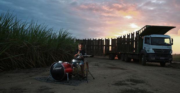 O novo som que nasce na Zona da Mata Norte (As oficinas de Sid Batera re�nem hoje 20 meninos. Eles formam a nova gera��o musical do munic�pio de 13 mil habitantes)