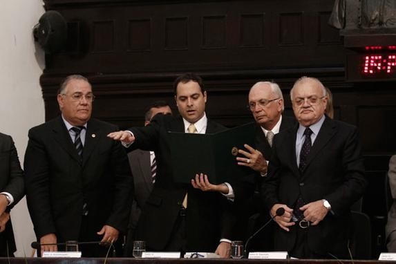 Paulo C�mara toma posse como governador de Pernambuco (Veja galeria do fotos da posse do governador Paulo C�mara)
