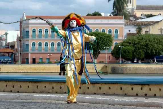 Turismo e cinema na sertaneja Triunfo (A partir do dia 3 de agosto, a cidade recebe a 8� edi��o de seu j� tradicional festival de cinema. Aproveite a ocasi�o para visitar o destino mais charmoso do Sert�o do Paje�)