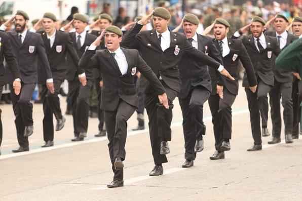 Desfile de Sete de Setembro em Recife - Hesiodo Goes Esp. para o DP/D.A Press