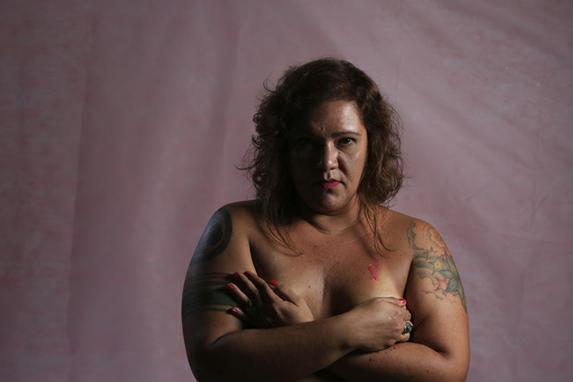 Outubro Rosa (Fot�grafos e rep�rteres do Diario tamb�m est�o participando e dando uma for�a � campanha do Outubro Rosa, que tem como objetivo fortalecer as recomenda��es para o diagn�stico precoce e rastreamento de c�ncer de mama.)