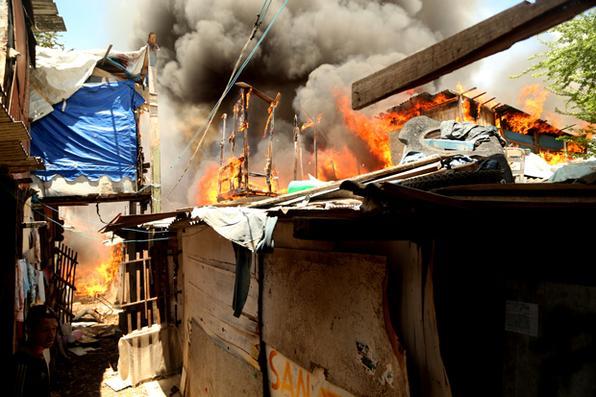 O incêndio foi de grandes proporções, mas não há registro de vítimas fatais. Foto: Hesíodo Góes/Esp. DP -