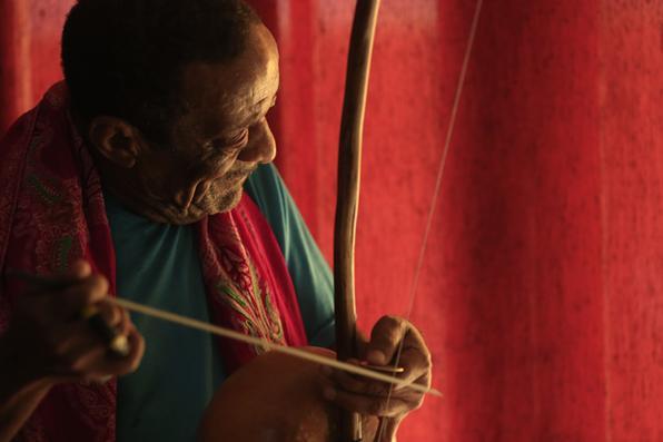 O percussionista pernambucano Naná Vasconcelos não resistiu a complicações de um câncer de pulmão e faleceu, nesta quarta-feira , aos 71 anos. Foto: Rafael Martins/Esp. DP -