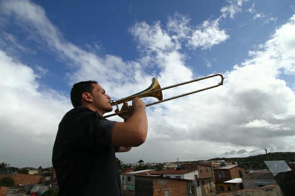 Jo�o, o trombone e a Comunidade Chico Mendes