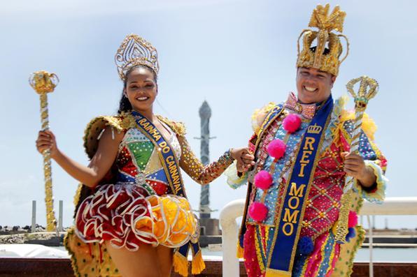 Eduardo Normande Gomes de Queiroz e  Bruna Renata Barbosa, Rei Momo e  Rainha do Carnaval 2017 do Recife. Foto: Marlon Diego/Esp. DP -