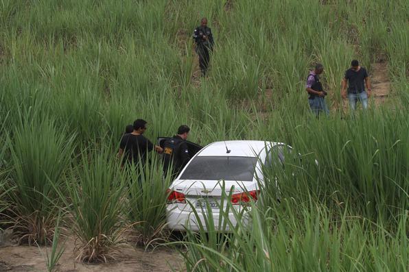 Investida contra bancos termina com seis suspeitos mortos, três presos e um ferido no Cabo de Santo Agostinho, na Região Metropolitana do Recife (RMR). Foto: Julio Jacobina/DP -