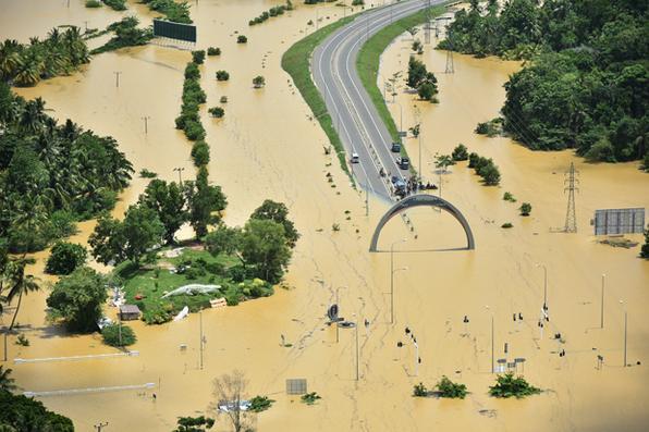As fortes chuvas no Sri Lanka provocaram inundações e deslizamentos de terra que mataram pelo menos 91 pessoas  e deixaram outras 110 desaparecidas. Foto: AFP PHOTO / SRI LANKAN FORÇA AÉREA -