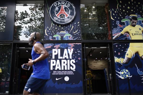 Liga espanhola se recusa a aceitar o pagamento 222 milhões de euros (US $ 260 milhões),  referente a multa rescisória de Neymar com o  Barcelona. Foto: AFP PHOTO / JAVIER SORIANO -