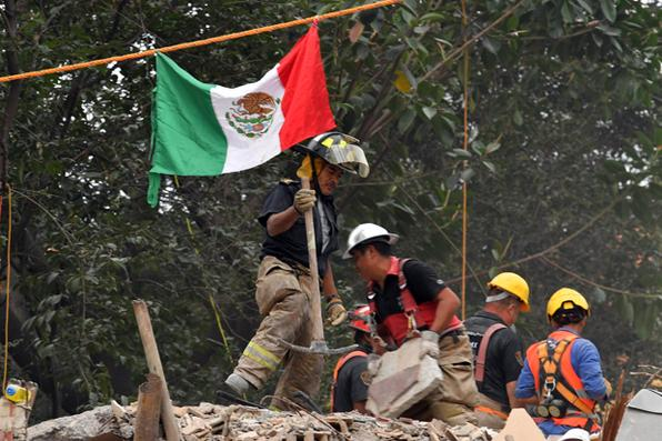 Uma semana após terremoto que matou mais de 300 pessoas, o  México ainda mantém busca por sobreviventes. Foto:  AFP PHOTO / YURI CORTEZ -