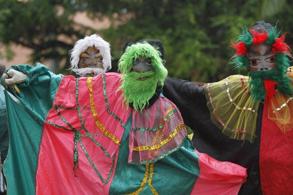 Penúltimo dia de carnaval. Desfile dos Bonecos Gigantes em Olinda. Foto: Ricardo Fernandes/DP - Foto: Ricardo Fernandes/DP