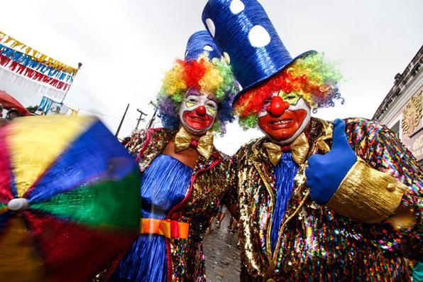 Foliões aproveitam o último dia de carnaval nas ladeiras de Olinda. Fotos: Rafael Martins/DP - Rafael Martins/DP
