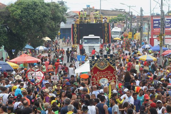 Desfile do Camburão da Alegria em Olinda. Foto: Nando Chiappetta/DP -