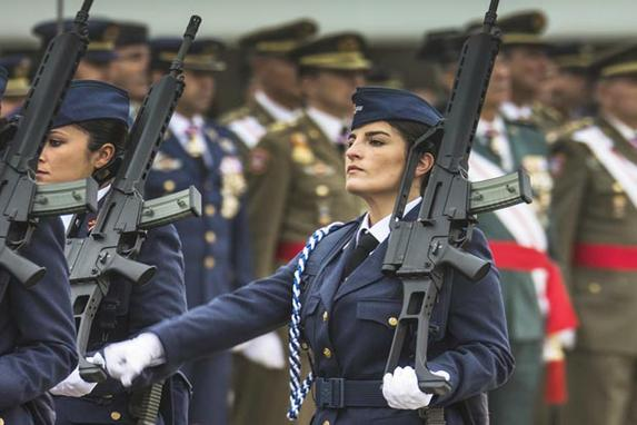 FOTOS DO DIA (Hoje nossa galeria de imagens é em homenagem ao Dia Internacional da Mulher e trazemos uma galeria repleta de imagens com mulheres em sua mais diversas profissões. Foto: Ministério da Defesa.)