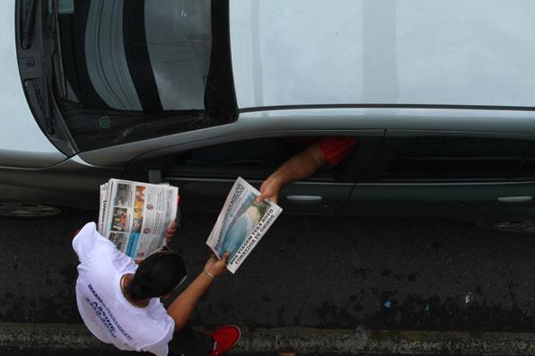 De volta às ruas de forma impactante, aliando um conteúdo atual e exclusivo com a tradição do jornal mais antigo em circulação da América Latina, o Diario de Pernambuco traz, a segunda edição do Diario nos bairros, trabalhado especialmente para estabelecer um novo relacionamento com o leitor. Com notícias hiperlocais, o jornal apresentará 14 matérias exclusivas, desta vez sobre o bairro de Boa Viagem, o mais conhecido da Zona Sul do Recife. Foto: Peu Ricardo/DP. -