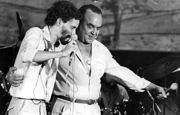 Durante a turnê Vida de viajante, em 198, pai e filho estavam excepcionalmente próximos (luzdefifo.blogspot.com.br)