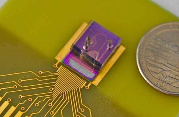 Testado clinicamente, o dispositivo processa 107 células por minuto. Foto:  David Issadore/Divulgação