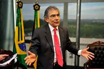 A liminar de suspensão foi concedida pelo presidente do Supremo, ministro Ayres Britto, a pedido do procurador-geral da República, Roberto Gurgel (Breno Fortes/CB/D.A Press)