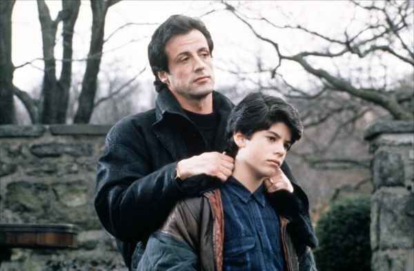 Stallone com o filho Sage no filme Rocky 5, em 1990. Foto: Fox/ Divulgao