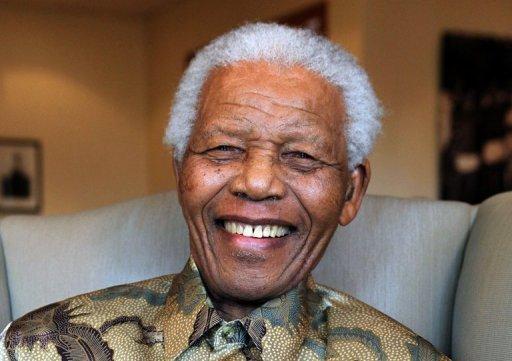 Nelson Mandela completa 94 anos nesta quarta-feira, 18 de julho, uma data importante na África do Sul, ocasião para multiplicar as homenagens, as boas ações e também os debates críticos sobre a melhor maneira de prosseguir com seu combate e com seu trabalho de reconciliação. Foto: Fund.Mandela/Arquivo Debbie Yazbek