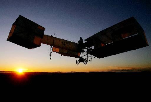 Alberto Santos Dumont inventou o primeiro avi�o do mundo, o 14-Bis. (Celso Junior/Agencia Estado/AE )