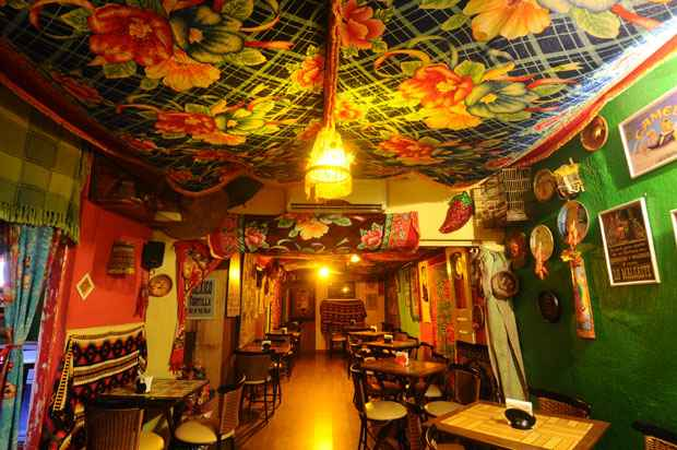 Clima totalmente mexicano no El Chicano, restaurante com cara de bar, no bairro do Parnamirim, Zona Norte do Recife. Foto: Ricardo Fernades/DP/D.A Press